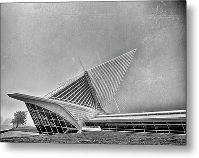 Metal Print featuring the photograph Milwaukee Museum Of Art Special 2 by David Haskett