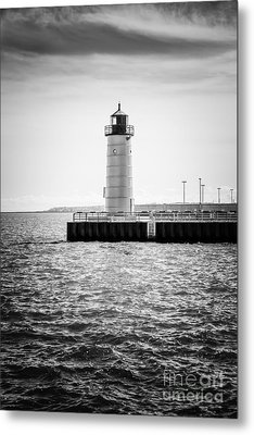 Milwaukee Pierhead Lighthouse Photo In Black And White Metal Print