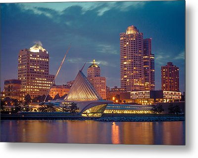 Milwaukee Skyline At Dark Metal Print