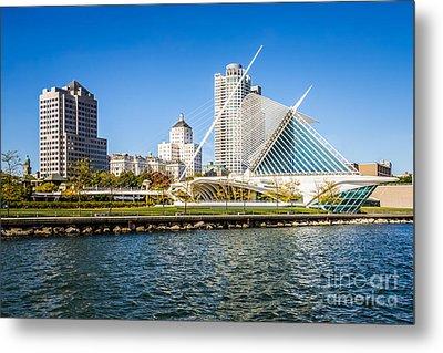 Milwaukee Skyline Photo With Milwaukee Art Museum Metal Print by Paul Velgos