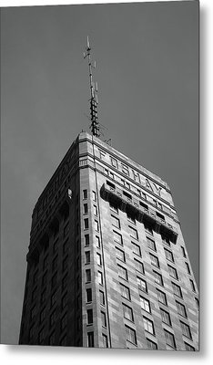 Metal Print featuring the photograph Minneapolis Tower 6 Bw by Frank Romeo
