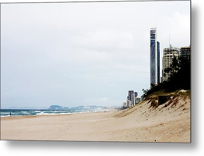Misty Gold Coast Beach Metal Print by Susan Vineyard
