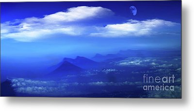 Misty Mountains Of San Salvador Panorama Metal Print