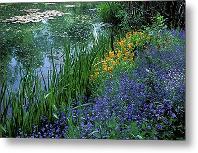 Monet's Lily Pond Metal Print by Kathy Yates