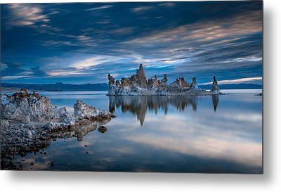 Mono Lake Tufas Metal Print