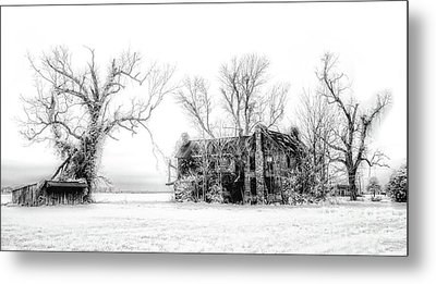 Monster Manor On The Outer Banks Metal Print by Dan Carmichael
