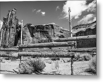 Fence In Monument Valley - Bw Metal Print by Dany Lison