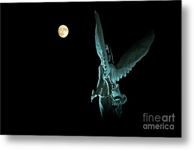 Metal Print featuring the photograph Super Moon And Winged Goddess Of Victory by Charline Xia