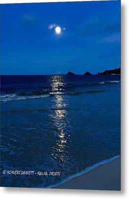 Moon Over Kailua Metal Print by Robert Abbett