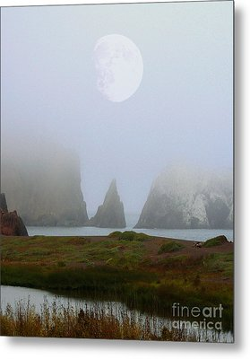 Moon Over Rodeo Beach Metal Print by Wingsdomain Art and Photography