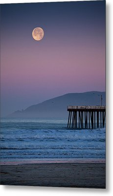 Moonset At Pismo Beach Metal Print by Mimi Ditchie Photography