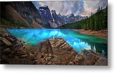 Moraine Lake Metal Print by John Poon