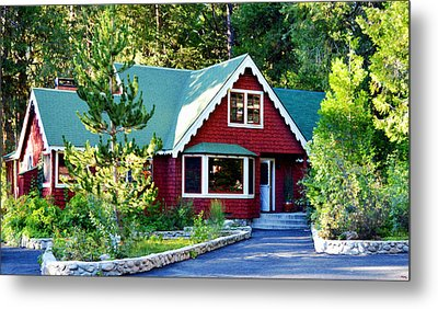 Metal Print featuring the photograph Mountain Lodging by Glenn McCarthy Art and Photography