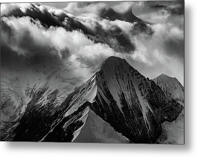 Mountain Peak In Black And White Metal Print by Rick Berk