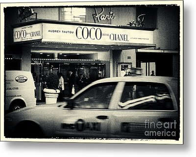 Movie Theatre Paris In New York City Metal Print