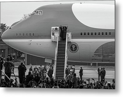 Mr And Mrs Obama Waving On Air Force One Waving Goodbye After Leaving Office Metal Print