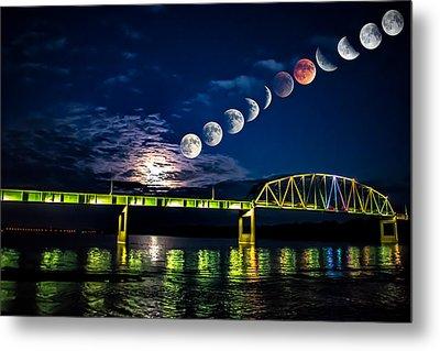 Muscatine Bridge Lunar Eclipse 9-27-15 Metal Print by Paul Brooks