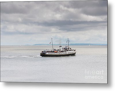 Mv Balmoral In The Bristol Channel Metal Print by Steve Purnell