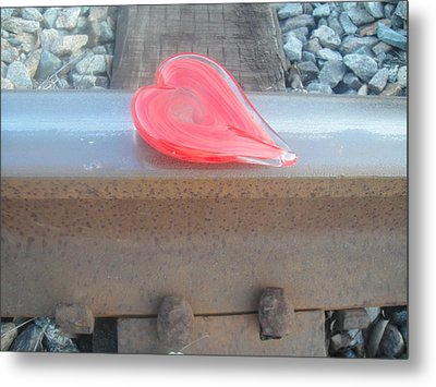 My Hearts On The Right Track Metal Print by WaLdEmAr BoRrErO