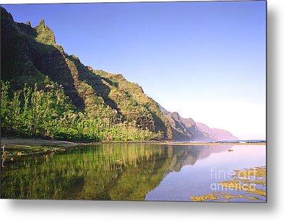 Na Pali Coast  Kauai  Metal Print by Kevin Smith