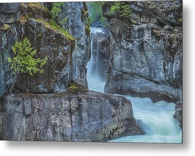Metal Print featuring the photograph Nairn Falls by Jacqui Boonstra