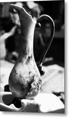 Nana's Vase Metal Print