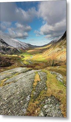 Nant Ffrancon Valley In Snowdonia Metal Print by Adrian Evans