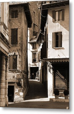 Narrow Streets Of Asolo Metal Print by Donna Corless
