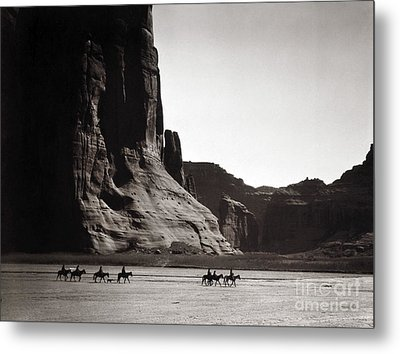 Navajos: Canyon De Chelly, 1904 Metal Print by Granger