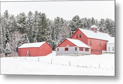 New England Farm With Red Barns In Winter Metal Print by Edward Fielding