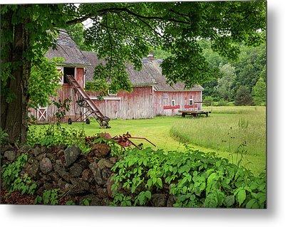New England Summer Barn Metal Print by Bill Wakeley