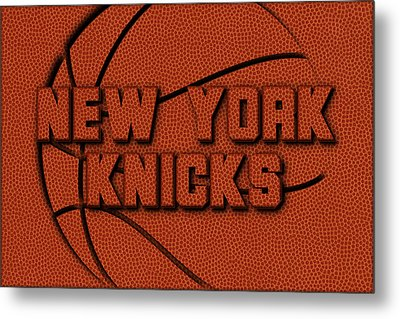 New York Knicks Leather Art Metal Print by Joe Hamilton