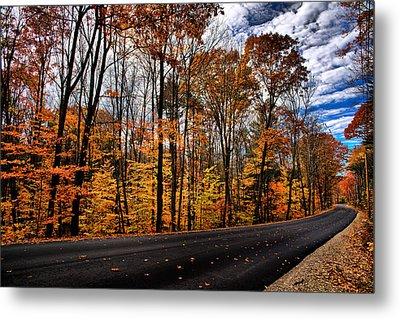 Nh Autumn Road 2 Metal Print by Edward Myers