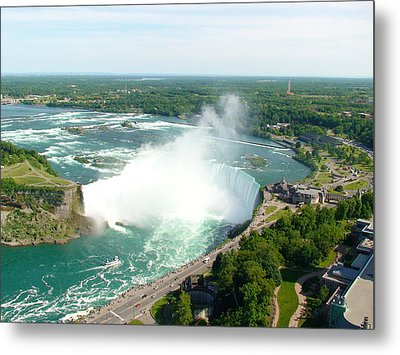 Metal Print featuring the photograph Niagara Falls Ontario by Charles Kraus