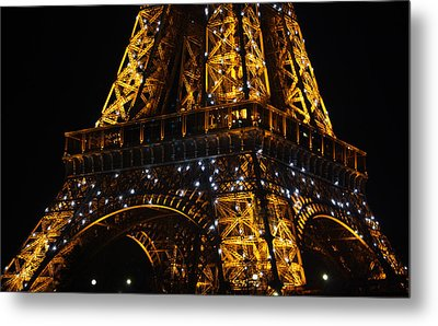 Night At The Eiffel Metal Print by Susie Weaver