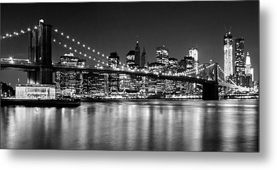 Night Skyline Manhattan Brooklyn Bridge Bw Metal Print