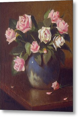 Nine Roses In Blue And White Vase Metal Print by David Olander