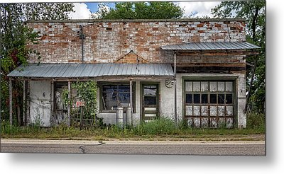 No Service Metal Print by Cynthia Traun