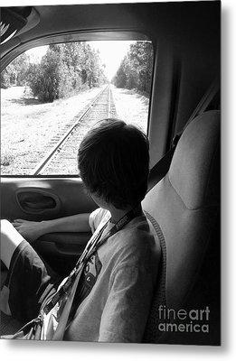 No Train Coming Metal Print by WaLdEmAr BoRrErO