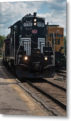 Conway Scenic Railroad - New Hampshire Metal Print by Suzanne Gaff