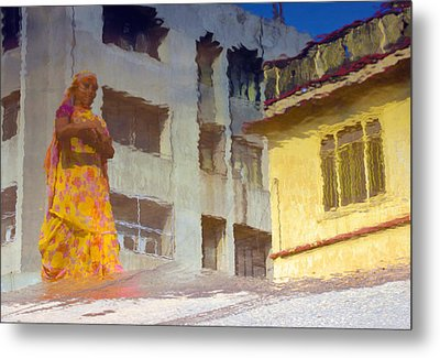 Metal Print featuring the photograph Not Sure by Prakash Ghai