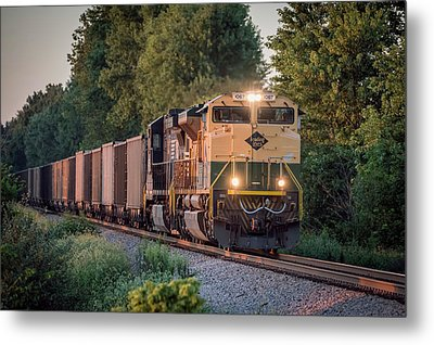Ns Heritage Reading Lines Southbound At Sullivan In Metal Print by Jim Pearson