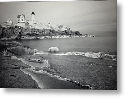 Nubble Light Black And White Metal Print by Luke Moore