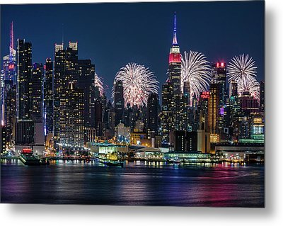 Nyc 4th Of July Fireworks Celebration Metal Print