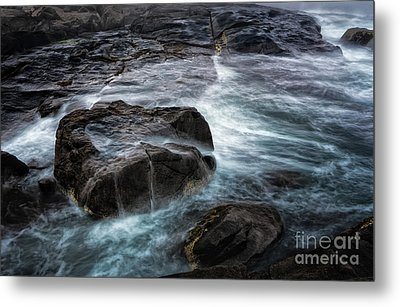 Ocean Boulder Metal Print by Scott Thorp