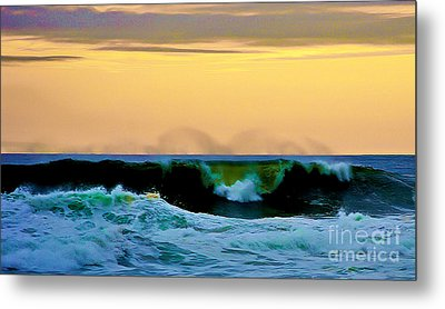 Ocean Power Metal Print