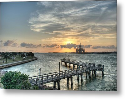 Oil Rig In Gulf Metal Print