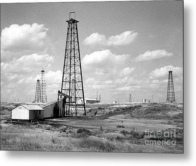 Oklahoma Crude Metal Print by Larry Keahey