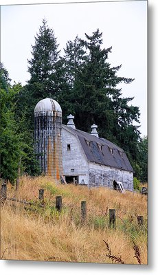 Old Barn In Field Metal Print by Athena Mckinzie