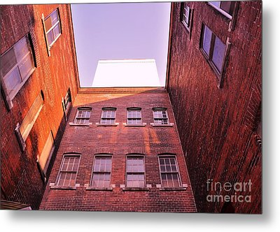 Old Building In The Pointe Metal Print by Reb Frost